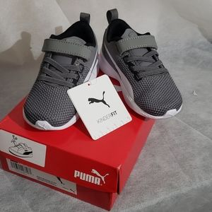 NWT Kids Puma Sneakers